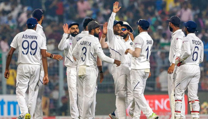 India in trouble as England set record target of 420