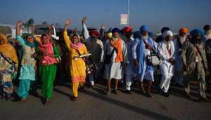 First batch of Indian pilgrims enters Pakistan through Kartarpur corridor