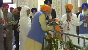 PM pays obeisance at Ber Sahib Gurdwara in Sultanpur Lodhi in Punjab