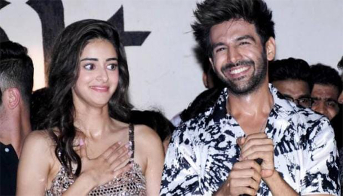 Know, what is the reaction of Ananya Pandey on the news of linkup with Kartik Aaryan