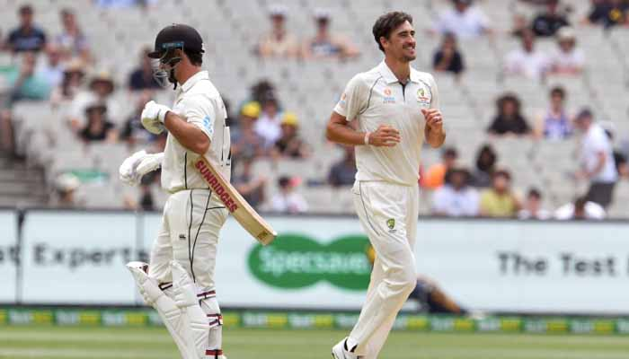 Stunned New Zealand fight to save second Australia Test