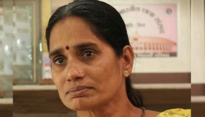 Nirbhayas mother urges President to reject mercy plea of convict