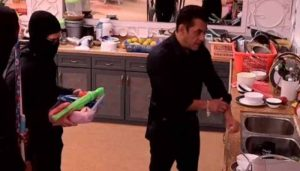 Salman Khan to go on a cleaning drive in BB house