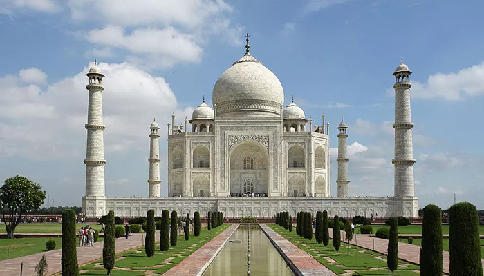 #IndiaWelcomesTrump: Ticket counters closed at TajMahal for Today