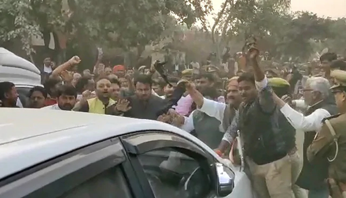 Protesters barrack BJP ministers; MP at Unnao rape victims village