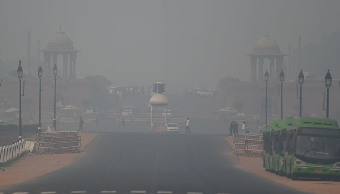 Delhis air quality in poor category, min temp at 8 deg C