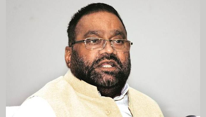 UP min hands over ex-gratia payment of Rs 25 L to Unnao victims father