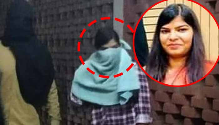 DU student Komal approaches NCW after being identified as JNU attacker