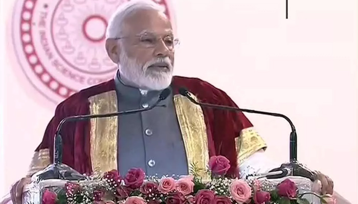 PM urges young scientists to innovate, patent, produce and prosper