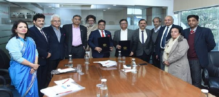 Power2SME signed MoU with PHDCCI to serve MSME's in better way