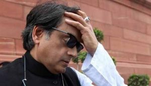 """Tharoor apologises for """"power without responsibility"""" remark on Kejriwal"""