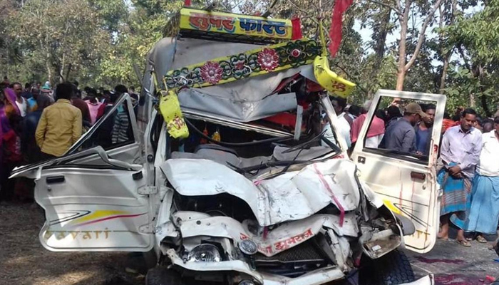 5 killed, one injured in jeep-truck collision in UP