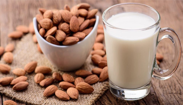 Almond Milk: Health benefits, you must know!