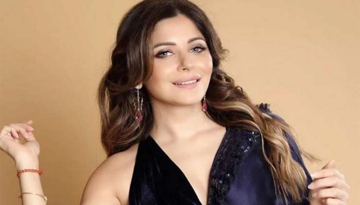 Kanika Kapoor claims that Doctors threatening her in Hospital