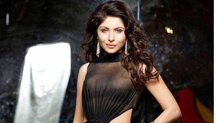 Good News for Kanika Kapoor! Finally out of the prob...