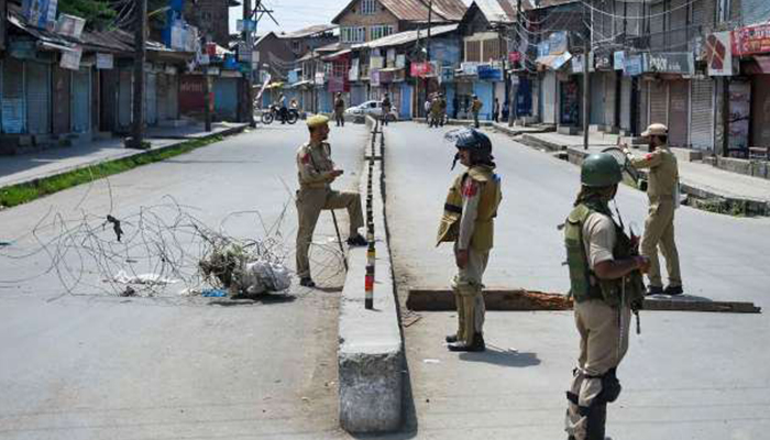 COVID-19: Kashmir continues to be under lockdown