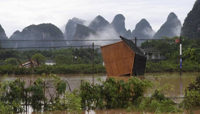 Hundreds of thousands displaced in deadly China flooding