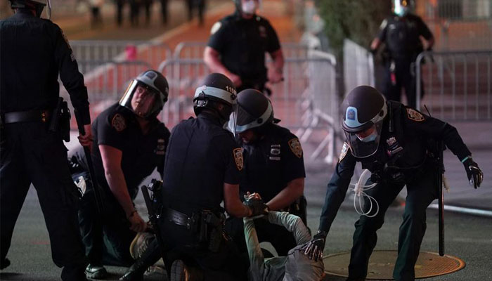 Curfew imposed in NYC as protesters loot stores across Manhattan