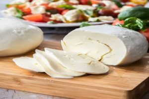 Give A Try To This Amazing Mozzarella Cheese at Home