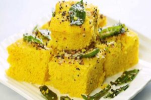 Give a Try to This Simple Gujarati khaman dhokla Recipe