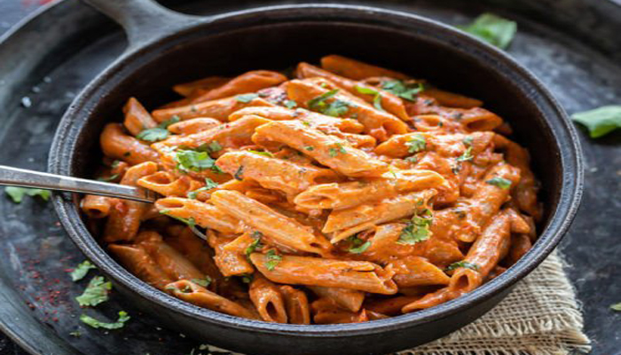 Hunger Pangs? Try this Indian-style Makhani Pasta