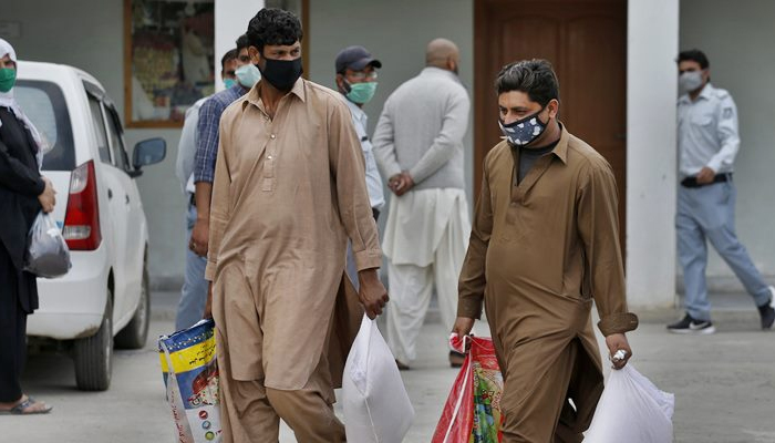 Pakistan reports more than 100 coronavirus deaths in single day, cases cross 108,000