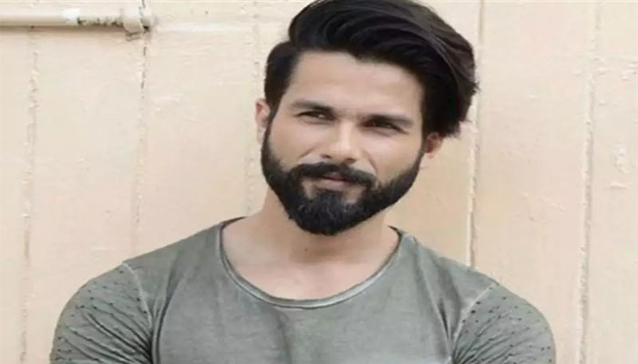 Shahid Kapoor becomes Messiah for 40 background dancers