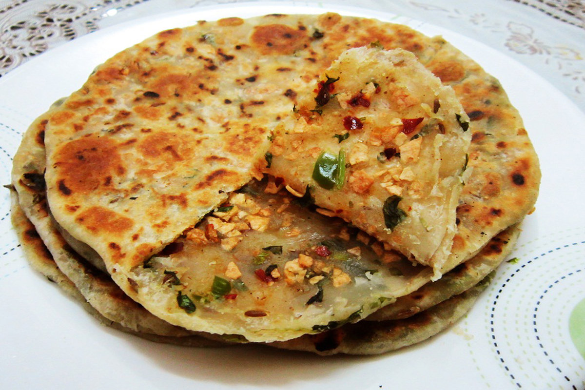 Make a Papad Paratha With this Super Easy Recipe