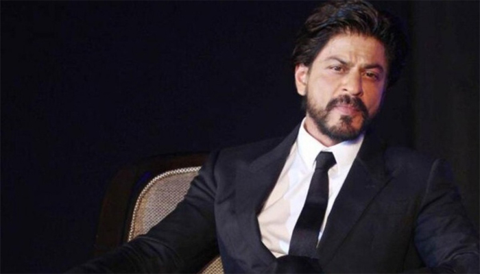 Shah Rukh Khans Bungalow Mannat Gets Covered in Plastic Sheets