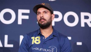 'How about DRS': Yuvraj Singh teases Shikhar Dhawan for not reviewing LBW