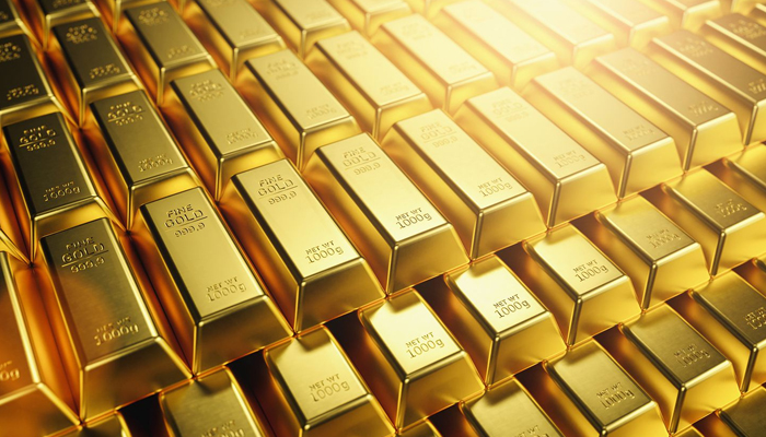 Gold declines by Rs 640, silver plunges Rs 3,112