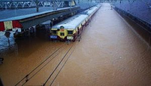 IMD issues Red Alert: Heavy Rainfall, Water logging situation in Mumbai