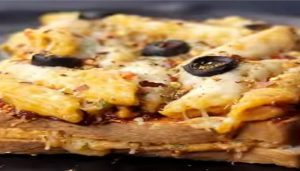 Eve Snacks: Try Cheesy Baked Pasta Sandwich with this Simple Recipe by Reshu Drolia