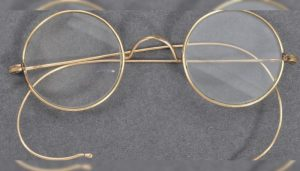 Spectacles believed to be worn by Gandhi set auction record in UK