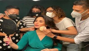 Kareena Kapoor Shares beautiful Pictures of her 'Warriors' as she shoots amid COVID-19