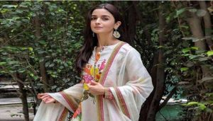 Raksha Bandhan: Alia Bhatt's Desi Looks Serves as Inspiration For Your Rakhi Attire