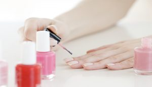 Chipped Nail Polishes? Make Your Own Natural Nail Paint at Home