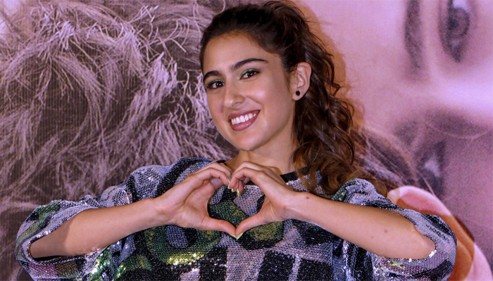 Sara Ali Khan Looks Delightful As She Shares Another Sunset Pic From Her Vacation