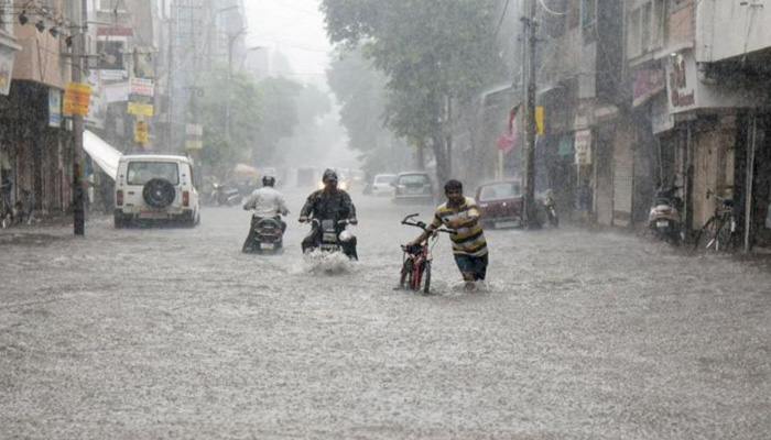 IMD predicts moderate rain in Delhi, Haryana & other states till March 24