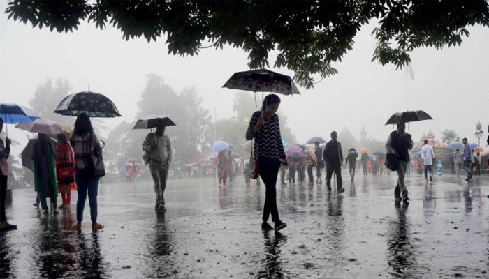 Weather Updates: Snowfall and Rain likely to continue in Mountains