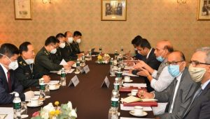Amid LAC tension, Rajnath Singh meets Chinese Defense Minister in Moscow
