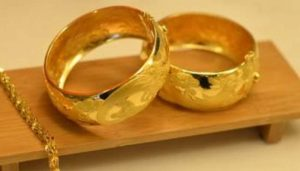 Gold prices fall by Rs 6000 today; Check new rates here…