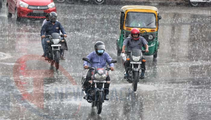 Weather Updates: Hailstorm and heavy rainfall to hit Delhi-NCR