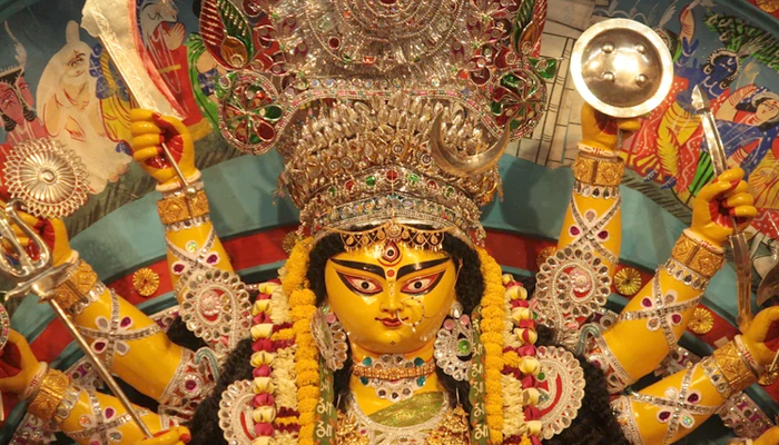 Many Durga Puja committees planning to install giant screens near pandal