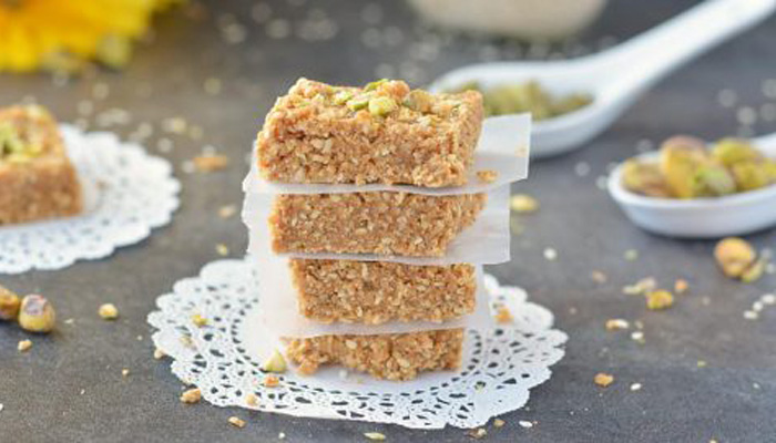 Perfect Winter Food is here; Try Jaggery Chikki and Peanut Gajak