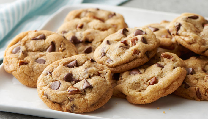Count on these steps to make yummy chocolate chip cookies