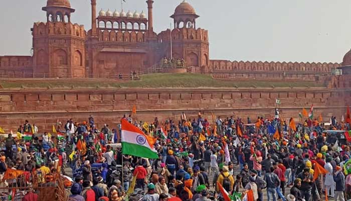 Farmers Tractor Rally turns violent: Protesters enter Red Fort Complex