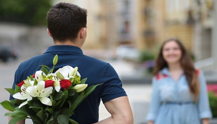 5 Surefire Signs he is HIDING his feelings for you; Know here