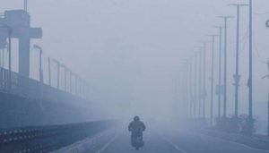 Delhi records minimum temp of the season, Snowfall in Kashmir