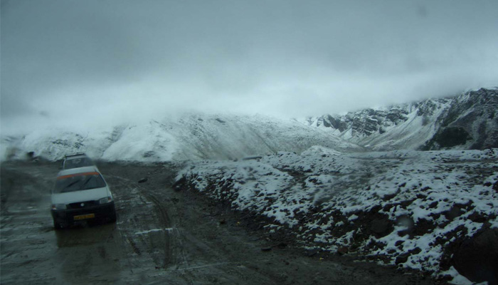 Fresh snowfall in the mountains including Rohtang Pass; See Pics!